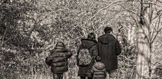 Familie Mutter Vater Kinder Frau Mann Junge