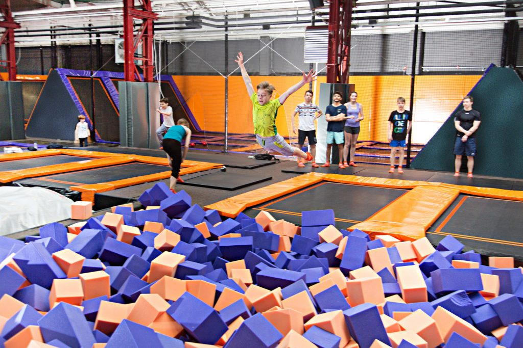 JUMP House Berlin-Reinickendorf: in Aktion – (c) JUMP House / Tom Menz