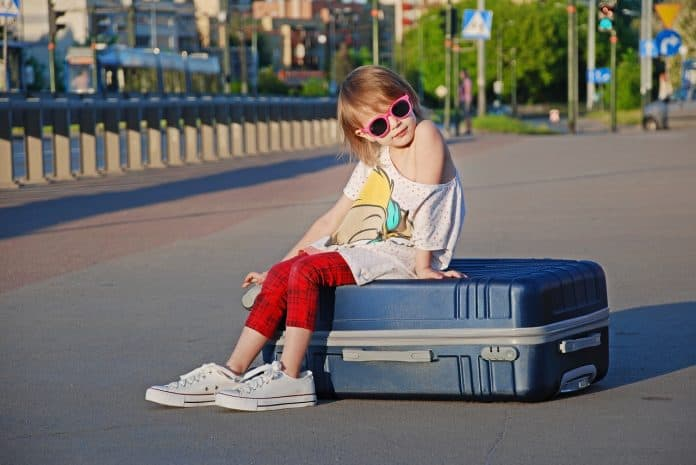 Kinder Urlaub Koffer Sport Sommer Schöne Kinder
