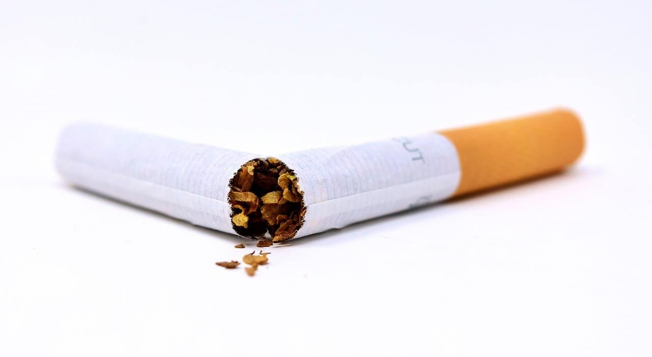 Zigarette Kaputt Ungesund Rauchen Sucht Raucher