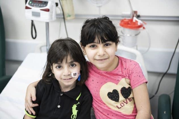 Georges Schwester Sidra ist zwar jünger aber einen Kopf größer als ihr Bruder. Foto: KHB/Meinrad Schade