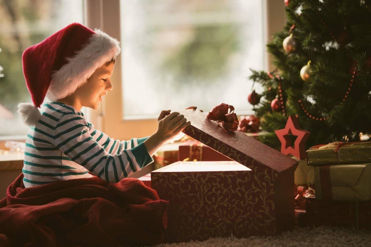 Dem Weihnachtsbaum Unter 5 Stellungen