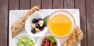 Frühstück Orangensaft Brot Vollkorn Vollkornbrot