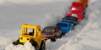 Stau Chaos Straße Schnee Winter Räumen Räumdienst