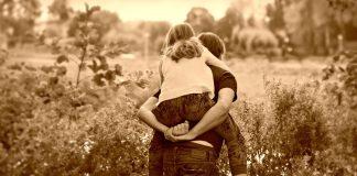Kinder Vater Tochter Eltern Huckepack Zusammen