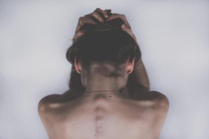 Frau Traurig Depression Kopfschmerzen Schmerzende