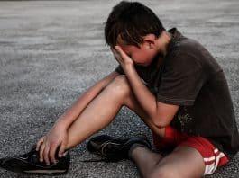 Weinen Schaden Unfall Schmerzen Leiden Junge Kind