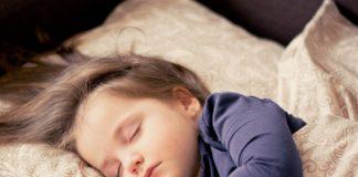 baby mädchen schlafen kinder kleinkind porträt