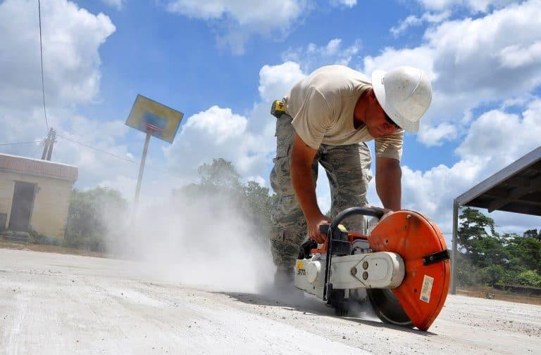 Haus-, Wohnungs- und Grundbesitzer haften für Schäden durch beauftragte Handwerker