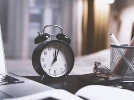 Zeit Wecker Uhr Stunden Minuten Alte Sekunde