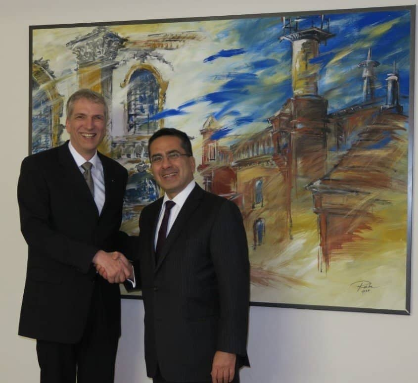 S.E. Andreas Hadjichrysanthou Botschafter Zypern mit Stefan Fritsche Herausgeber von Adeba.de