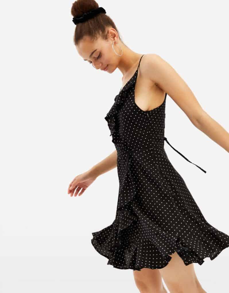 Schwarzes, gepunktetes Kleid