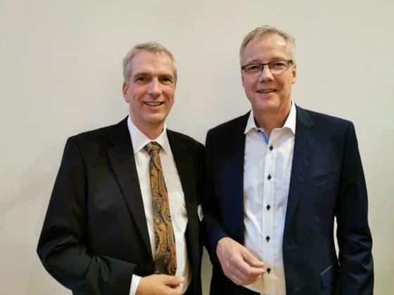 S. E. Herr Petter Ølberg Botschafter von Norwegen mit Stefan Fritsche Herausgeber von Adeba.de - 2019