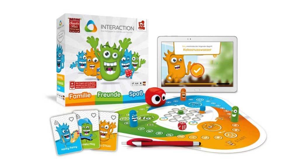 Interaktiv mit Spielbrett und Tablet 2