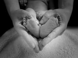 Baby Füße Herz Liebe Mutter Mutterschaft Zehen