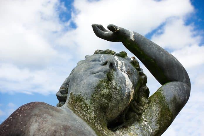 statue unglück schlecht glück karma vogel löschen