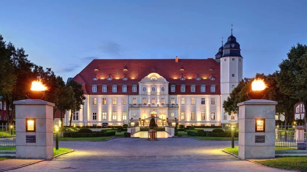 Schloss Fleesensee - Abendstimmung am Schloss