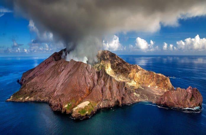 neuseeland vulkan krater white island insel aktive