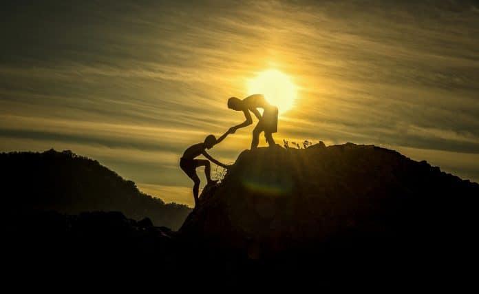 Abenteuer Höhe Klettern Berg Spitze Gipfel Hilfe