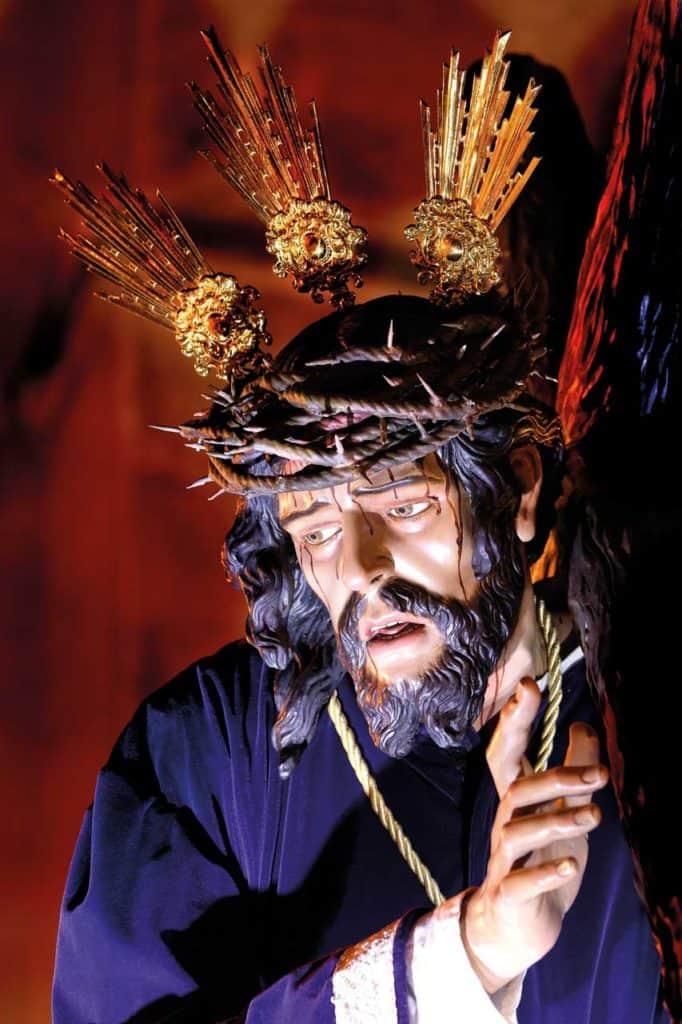 Jesus am Kreuz - Ostern auf Mallorca Passionsspielen Kirche Felanitx