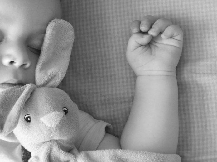 Schlafmythen beim Baby - WIR KLÄREN AUF 1
