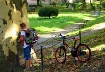 Kind Der Student Ranzen Junge Neugier Spaß