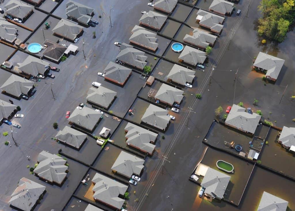 flut stadt nachbarschaft häuser katastrophe wasser