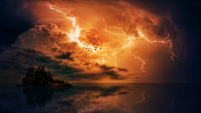 gewitter meer wolken sturm insel unwetter himmel