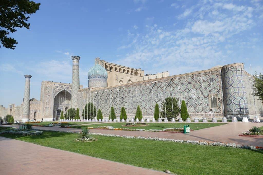 Familienurlaub in Usbekistan: Samarkand Moschee Registan /Usbekistan