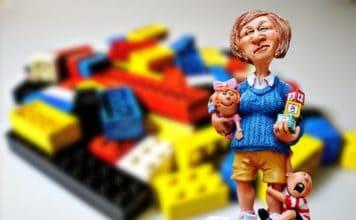 babysitter kindererzieherin lego spielsteine