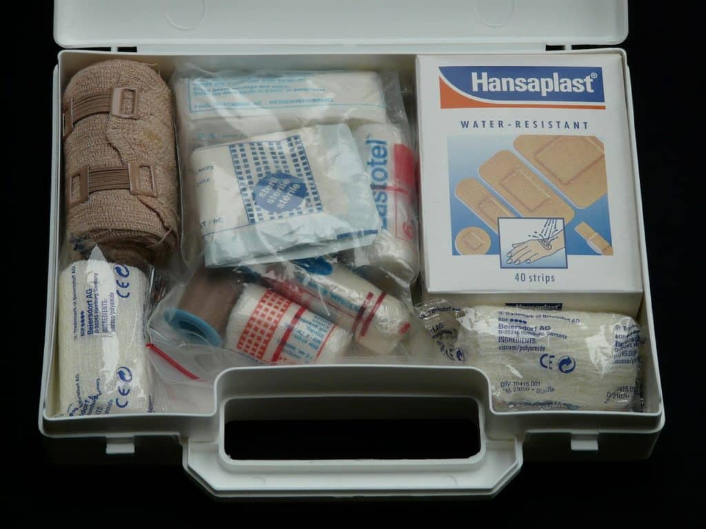 erste-hilfe-set hilfe erste-hilfe-koffer