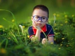 Kinder Junge Gläser Brillen Niedlich Im Freien