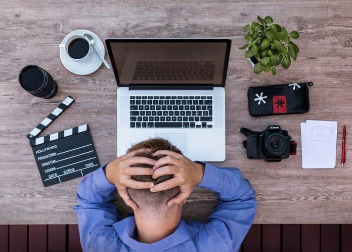 Youtuber Blogger Drehbuchautor Verzweifelt Ideenlos
