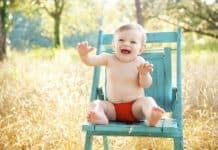 Baby Sitzen Lächelnd Glücklich Junge Im Freien