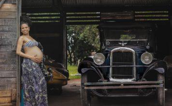 auto fahrzeug transport jahrgang alte garage frau