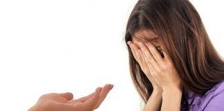 hilfe hand anbieten verzweiflung depression