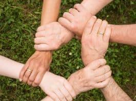 Teamgeist Zusammenhalt Gemeinsam Miteinander