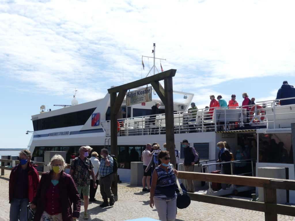 Ankunft im Hafen von Kloster auf der Insel Hiddensee