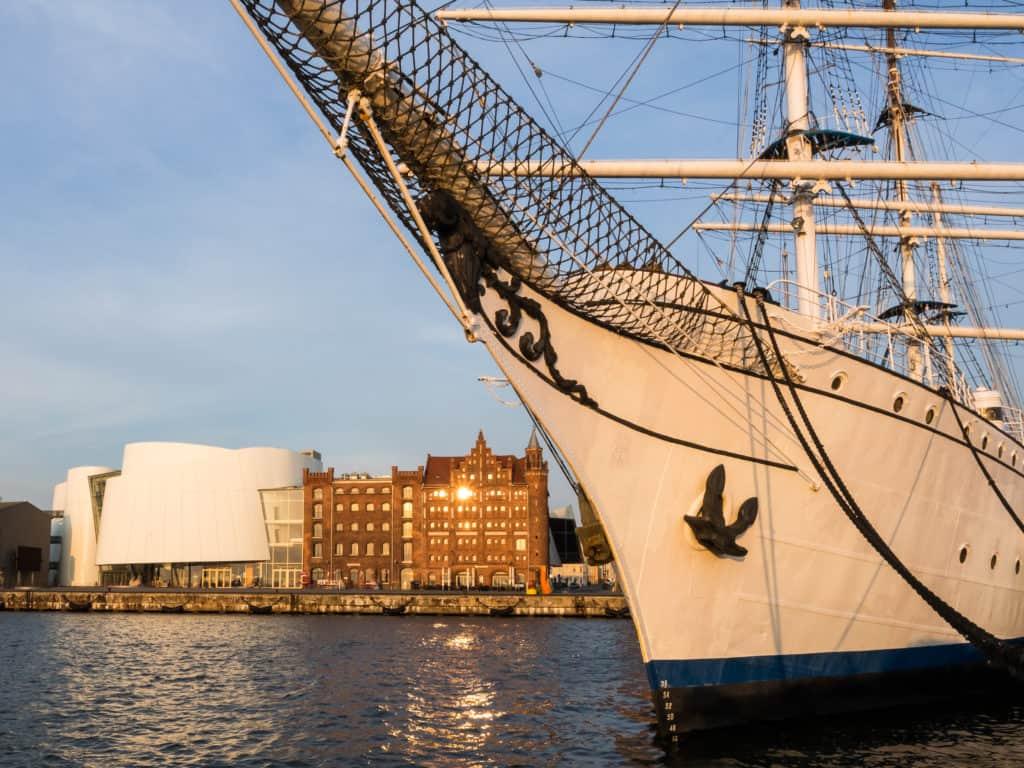 Stralsund Stadtansicht mit Segler