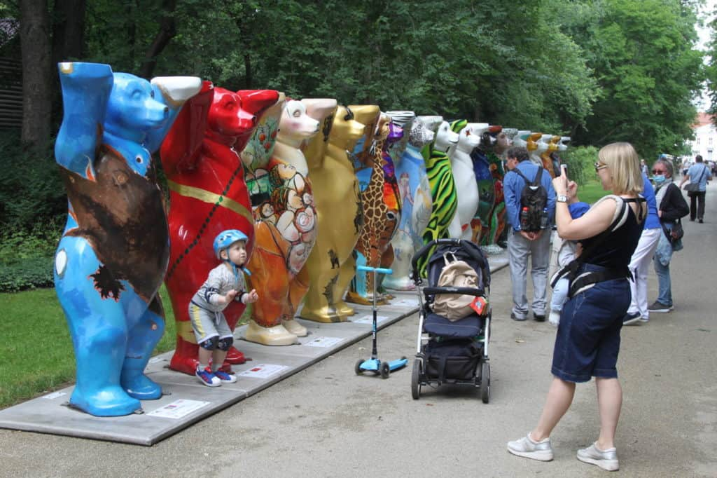 Buddybären gratulieren zum 65. Tierpark- Geburtstag in Berlin 1