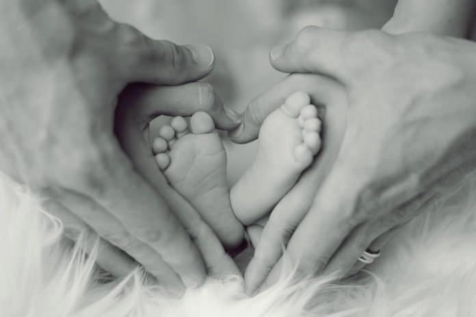 Baby Füße Vater Mutter Kleinkind Zehen Babyfüße