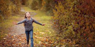 Person Mensch Weiblich Mädchen Kind Rennen Laufen