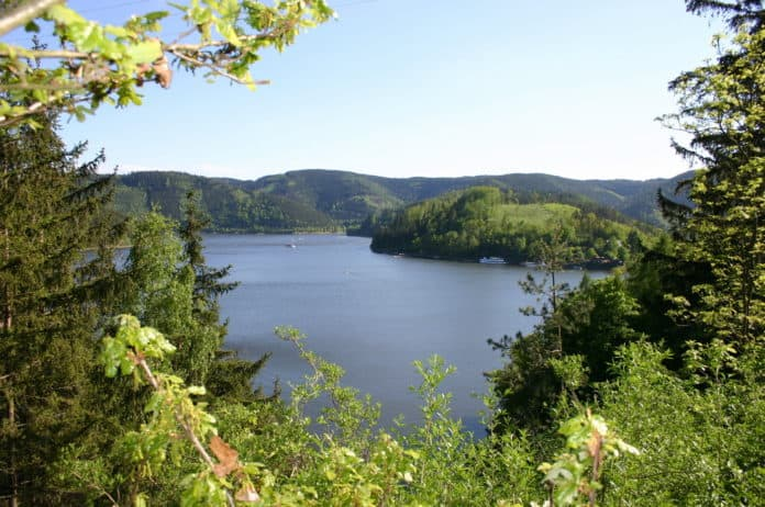 Thueringer-Meer-Blick-auf-Hohenwarte-Saale-Talsperre-k-1