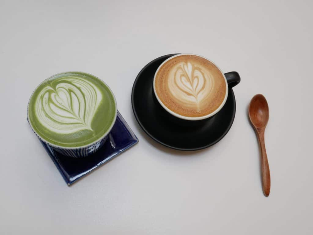 Matcha-Cappucciino: Photo by Andrew Teoh on Unsplash