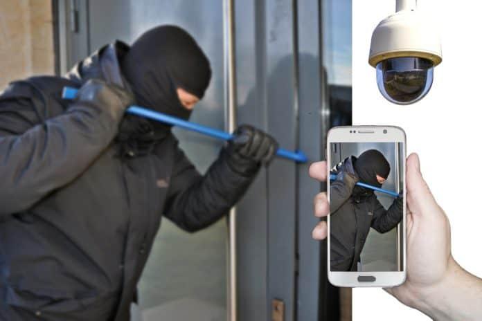 Einbrecher Einbruch Überwachungskamera Smartphone