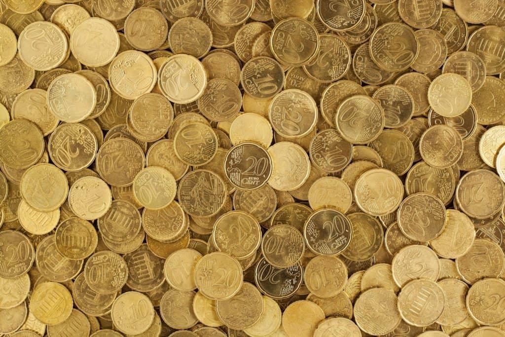 Sparen - auch Kleingeld vermehrt sich: Euro Münzen Währung Geld Gelb Europa Wachstum