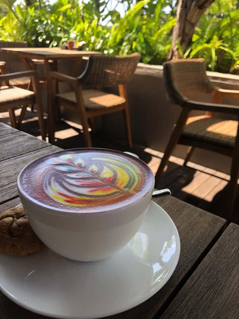 Rezept regenbogenfarbigen Cappuccini / Cappuccino 1