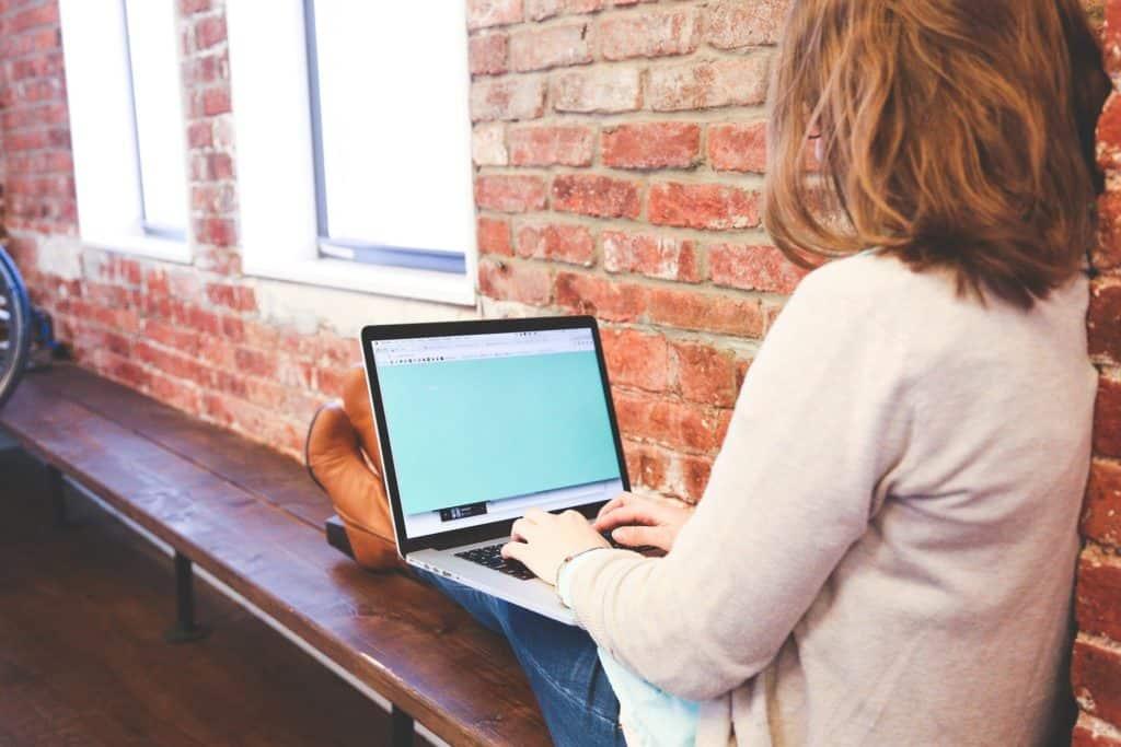 Spielen und Lernen am Computer - Eigener Laptop für das Kind?