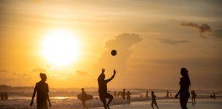 sonnenuntergang,volleyball,strand,silhouetten,beach volleyball,spielen,sonne,goldene stunde,meer,wellen,ozean,menschen,hintergrundbeleuchtung,sport,himmel,kugel,