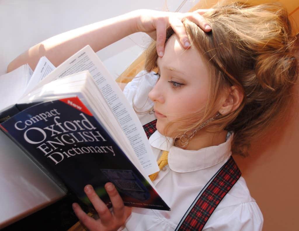 mädchen, englisch, wörterbuch: 5 % der Kinder eines Jahrgangs mit Lese-Rechtschreib-Störung (LRS)